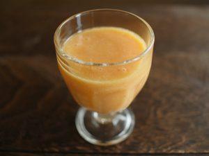 トマトとマンゴーの甘酒ドリンク