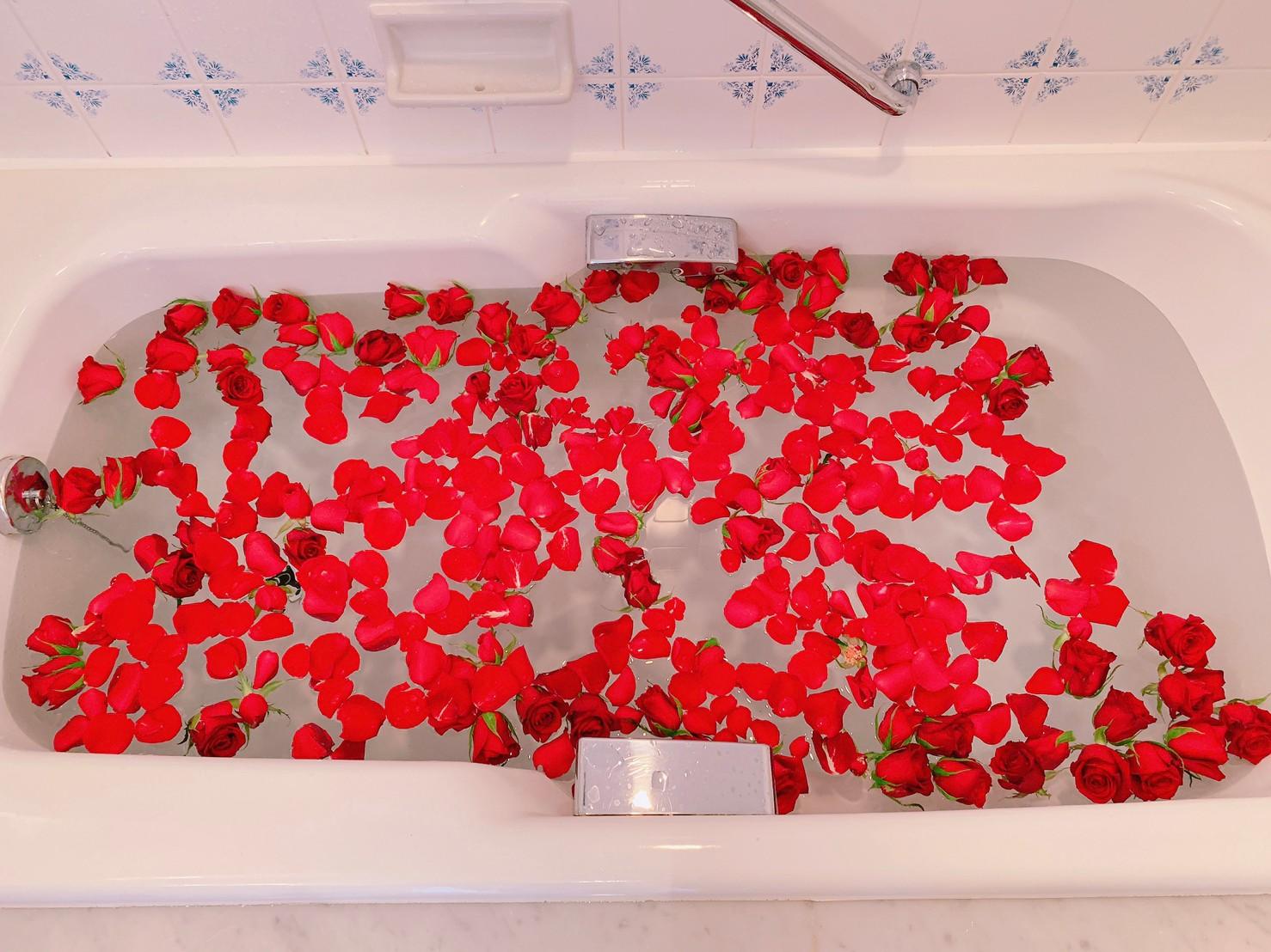 プロポーズ バラ風呂