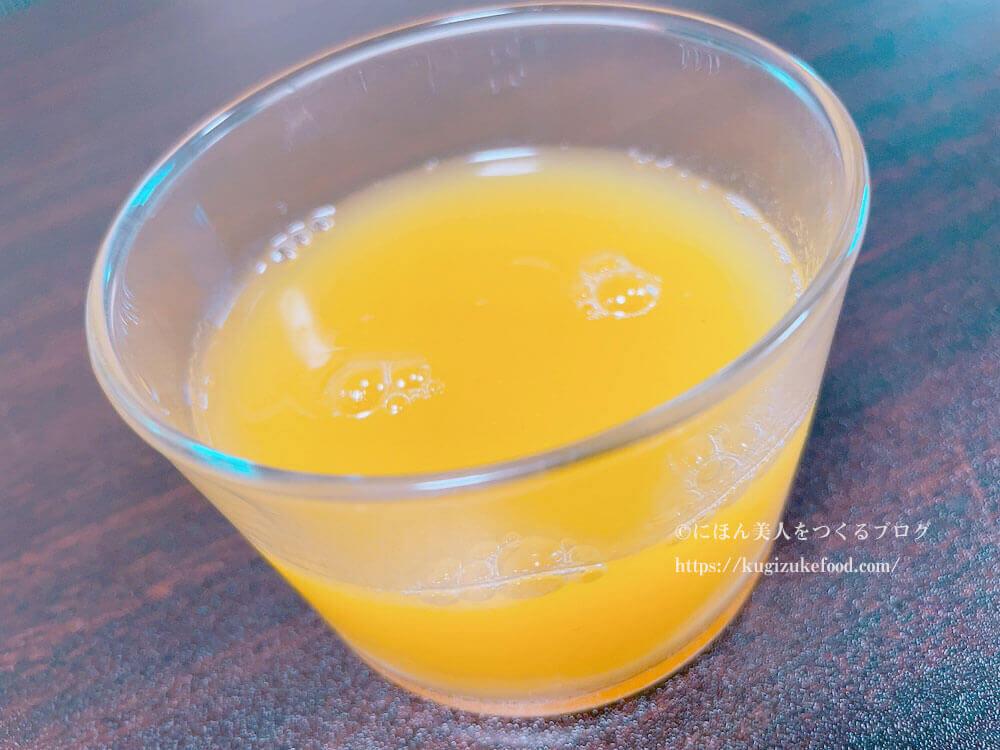 六本木グランドフードホールのパイナップルジュース
